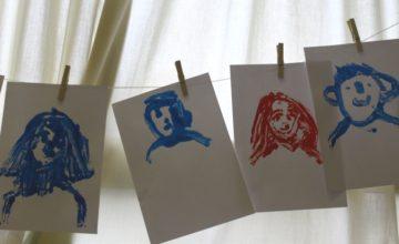 """À l'occasion de son 20e anniversaire, l'association FLEPJR accueille en résidence Marc Daniau, illustrateur et auteur autour de son projet d'ouvrage """"le dictionnaire de tous les sourires""""."""